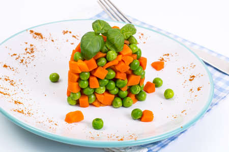snap bean: Mix orange carrots and green peas with olive oil and curry