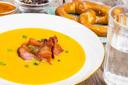 karri: Vegetable cream soup with grilled bacon