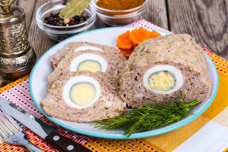 polish chicken: Meat Loaf with egg and carrot
