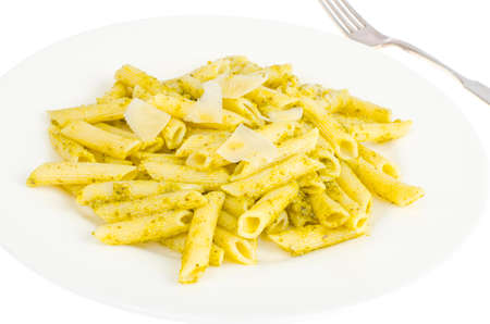 White plate with pasta and pesto. Studio Photo 免版税图像
