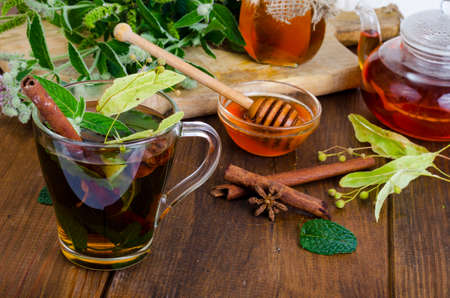 Herbal tea with mint, dried linden flowers. Studio Photo Stockfoto