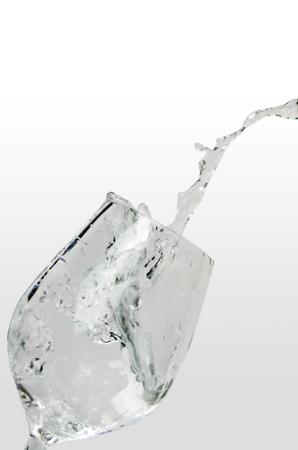 seltzer: Fill glass water