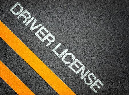 chofer: Planta Texto de Licencias de Conducir Escritura carretera de asfalto Palabra Suelo