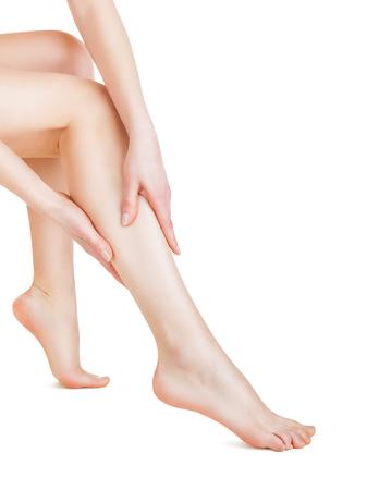 naked young women: Красивые ноги молодой женщины, изолированных на белом фоне