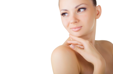 corps femme nue: Portrait de belle femme sexy avec une peau propre isolé sur fond blanc Banque d'images