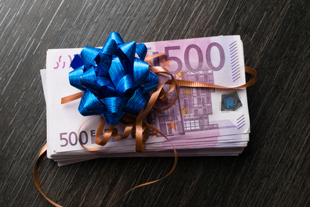 euro cash gift with ribbon and bow