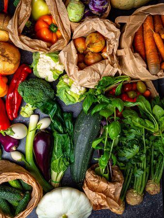 Selección de alimentación limpia de alimentos saludables de vegetales Bio. Verduras orgánicas, dieta de desintoxicación, cerrar Foto de archivo