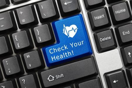 medycyna: Zamknij się widok na koncepcyjnego klawiaturze - Sprawdź Twoje Zdrowie (niebieski przycisk z symbolem serca)