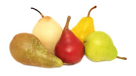 pera: Peras de diferentes variedades aislados en el fondo blanco
