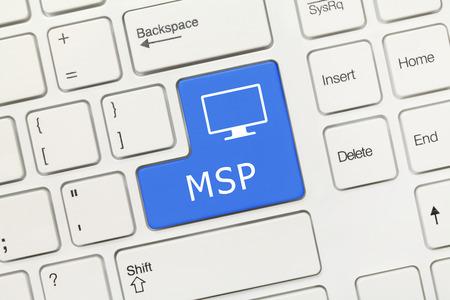 Vista cercana en el teclado conceptual blanco - MSP (tecla azul)