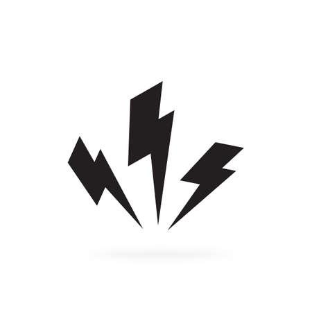 Black lighting strike simple vector icon isolated. Battery charger pictogram, lightning bolt concept or thunderbolt symbol Vetores