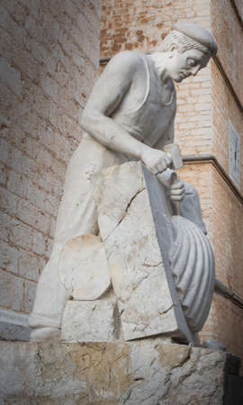stone cutter: Stone mason sculpture in Binissalem, Mallorca, Balearic islands, Spain. Editorial