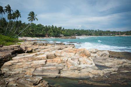 rocky point: Paesaggio roccioso a Rocky Point, Goyambokka, Tangalle, Southern Province, Sri Lanka, Asia.