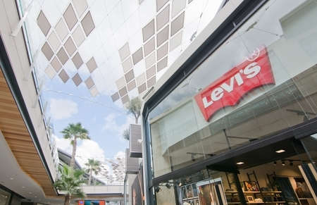 levis: PALMA DE MALLORCA, BALEARIC ISLANDS, SPAIN - SEPTEMBER 29, 2016: Levis store and ceiling in FAN Shopping Centre on a sunny day on September 29, 2016 in Palma de Mallorca, Balearic islands, Spain.