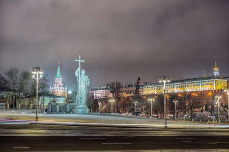 Monument of Vladimir. Moscow Kremlin in winter night. Russia 版權商用圖片