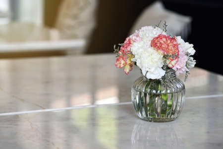 decoracion mesas: Decoration flower, Flowers on the tables in restaurant.