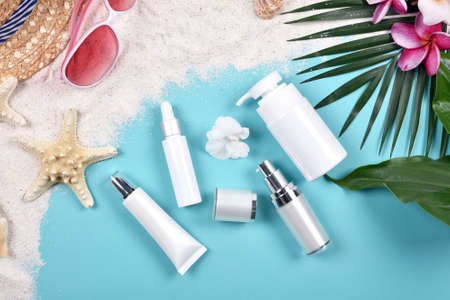 Summer facial skincare protection, Sun protection with Blank label cosmetics bottle container for branding mock-up. Stock Photo