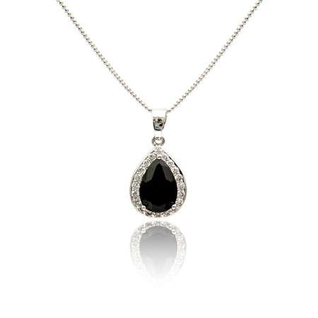 zafiro: Colgante de diamante negro espinela aislado sobre fondo blanco