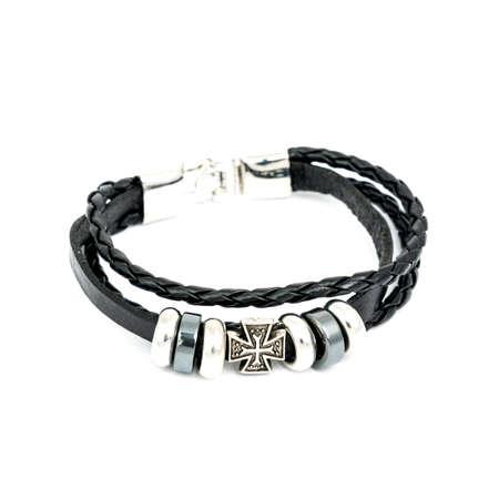jewelle: Fashion male bracelet isolated on white background