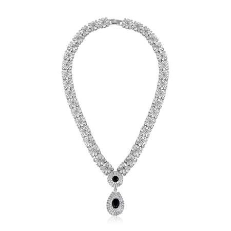 Colgante de diamantes de moda aislado sobre fondo blanco. Foto de archivo