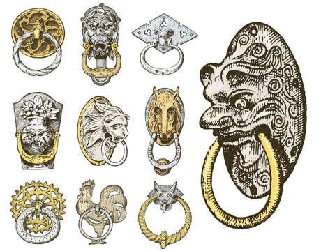 詳細古代建築の装飾的な要素、木製のドアのノブ、ノッカーまたはハンドル