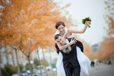 A beautiful bride and groom Stock Photo - 11267804