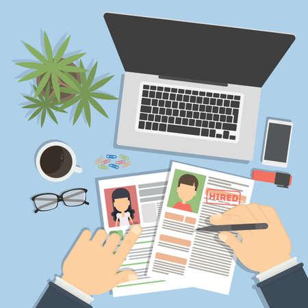 Superviser et accepter CV. Directeur considérant cv, trouver du nouveau personnel. Bureau bureau topview.