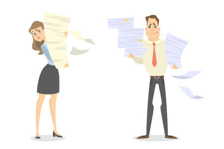 Praca z papierem w biurze. Odosobniony mężczyzna i kobieta z stertą papier.
