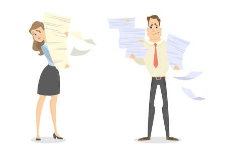 Travail de papier au bureau. Isolé homme et femme avec une pile de papier.