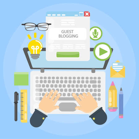 Gościnne biurko do blogowania na prostym tle.