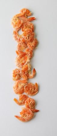 camaron: camarones secos en el fondo blanco Foto de archivo