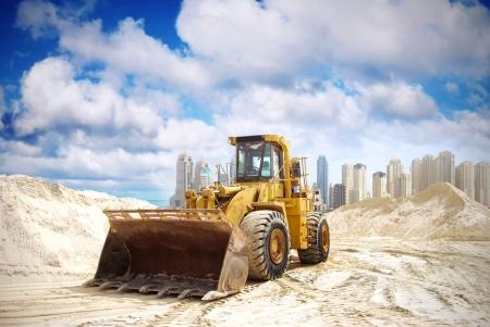 traktor: Construction Traktor in Dubai, Vereinigte Arabische Emirate Lizenzfreie Bilder