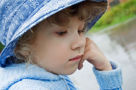 Portrait of 7-old girl outdoor.