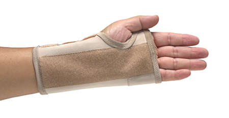 splint: Mano férula, aislado en fondo blanco