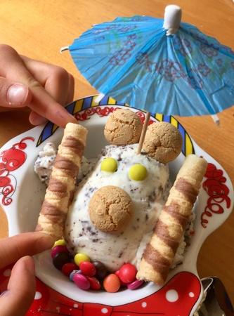 Ice cream sundae decoration for kids