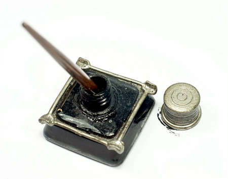 inkpot: Retro ink bottle and Nib pen