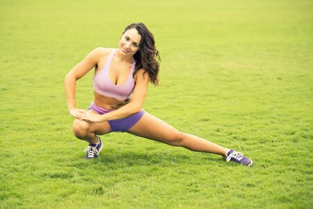 girl working out: Fitness girl working out in the park
