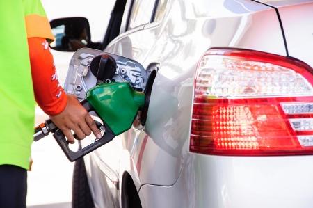 station service: remplissage d'essence