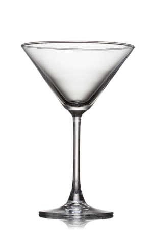 copa martini: vaso de martini vacía aislado en blanco