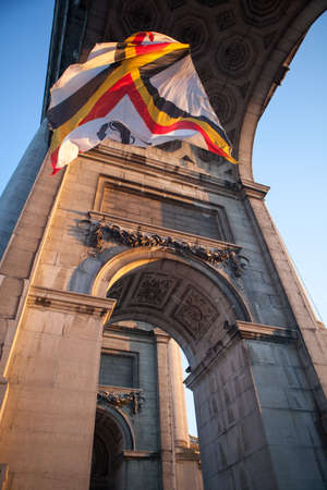 belgique: Flag in Triumphal Arch in Cinquantennaire Parc in Brussels , Belgium