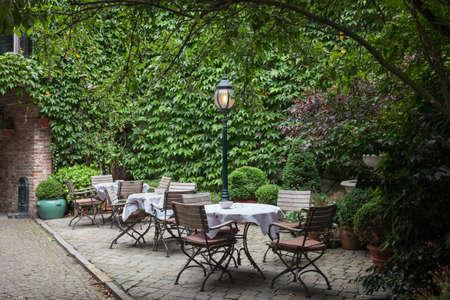 Klein cafe in Brugge, België