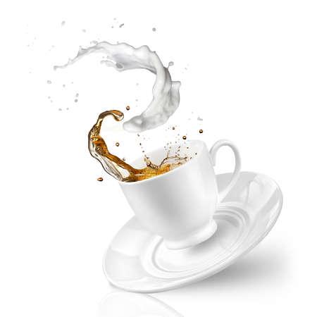 落下のミルクティーのスプラッシュ カップに分離白 写真素材