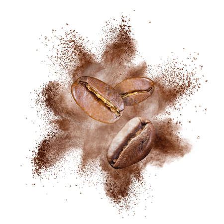 Coffee beans explosion isolated on white background Banque d'images