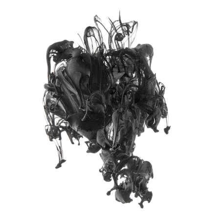 vapore acqueo: Spruzzata di inchiostro nero in sceso in acqua isolato su bianco