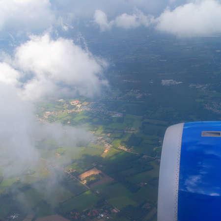 plan éloigné: View from plane window