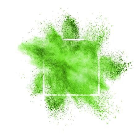 Grüne Staub- oder Pulverexplosion in einem quadratischen Rahmen auf weißem Hintergrund, Kopierraum. Standard-Bild