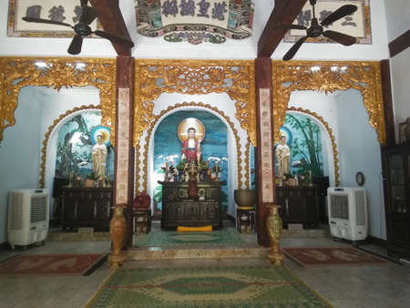 Interior of Fukian Assembly Hall or Phuc Kien in the Hoi An ancient city in Quang Nam province in Central Vietnam. Publikacyjne