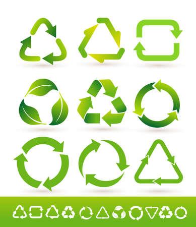 Satz des aufbereiteten Zykluspfeilikons. Recycling-Öko-Symbol. Vektor-illustration Isoliert auf weißem hintergrund