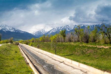 kyrgyzstan: paisaje Asia. Kirguist�n, Baitik Foto de archivo
