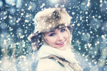 winter woman: Winter Woman on Snow Winter Background